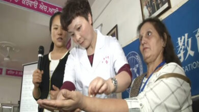 Photo of Chinese experts share acupuncture tips with Indian counterparts