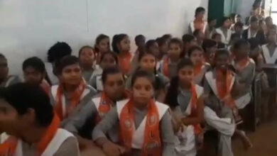 Photo of UP BJP MLA enrols schools students as party members