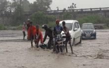 Kanwarias stuck in Uttarakhand river, rescued
