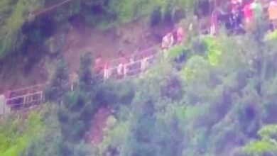 Photo of Uttarakhand: At least 8 injured in landslide on Kedarnath Marg