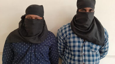 Photo of Two notorious chain snatchers held in Delhi
