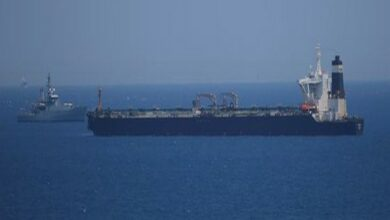 Photo of 5 Iranian boats unsuccessfully try to seize British tanker