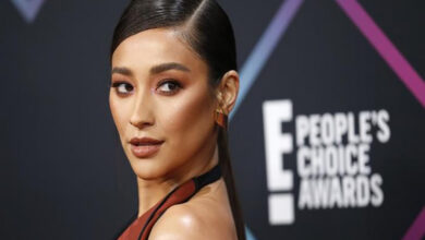 Photo of Shay Mitchell tearfully opens up about her miscarriage