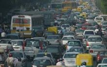 Rains bring down temperatures in Delhi but cause traffic jam