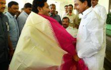 Jagan meets KCR & discuss bifurcation issues