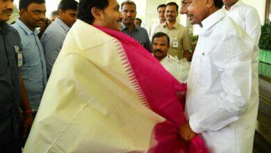 Photo of Jagan meets KCR & discuss bifurcation issues
