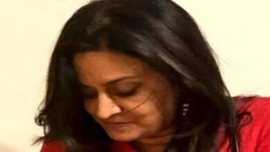 Photo of Ajay Bisaria's wife reaches Pakistan for final pack up