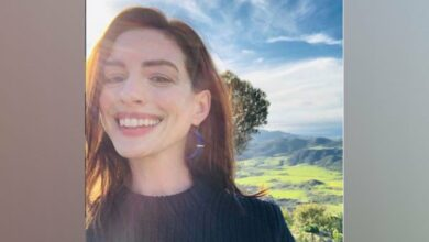 Photo of Anne Hathaway recalls feeling pressured to lose weight at 16