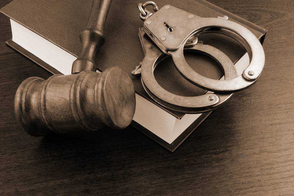 2 years' imprisonment for temple thieves