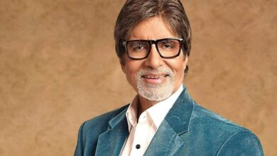 Photo of Big B pulls off 18-hour shift despite doctor's advice