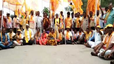 Photo of TDP workers stage protest against closure of Anna Canteens