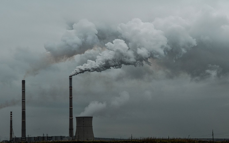 In battle to curb pollution, Delhi awaits EV policy