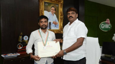 Photo of Mayor felicitates National Youth award winner