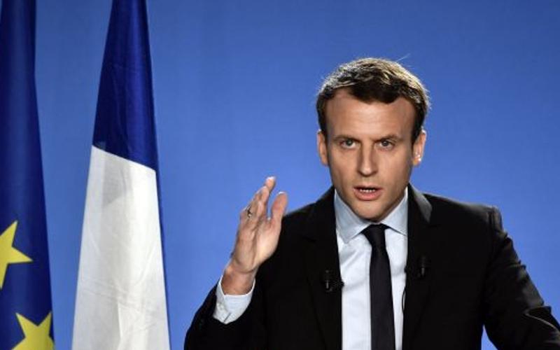 Macron backs month of Brexit talks as Johnson visits