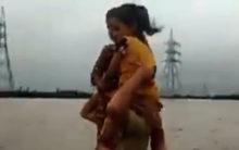 Gujarat cop rescue kids from floodwater, win hearts