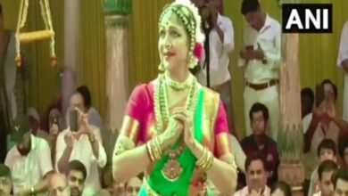 Photo of BJP MP Hema Malini performs at Sri Radha Raman Temple