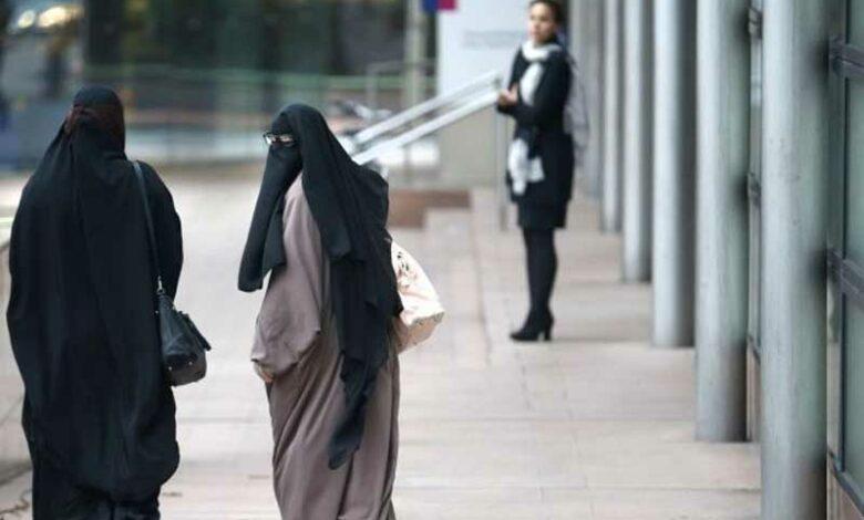 Saudi-Women-Workers