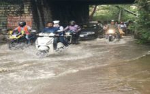 Weekend rains confine people to homes