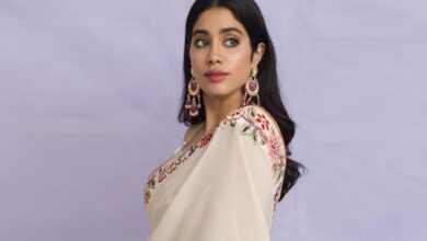Photo of Janhvi Kapoor steps out with price tag attached to outfit