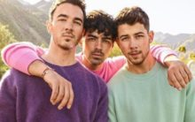 Jonas Brothers kick-off tour with Latin artists