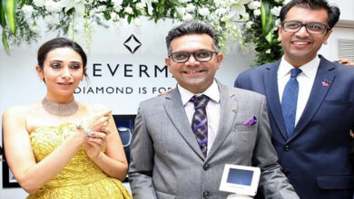 Photo of Karisma Kapoor launches the festive collection at Om Jewellers