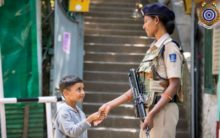 Kashmiri kid shakes hands with CRPF personnel, photo goes viral