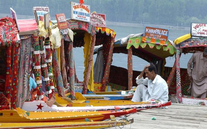 J&K: Shutdown crippled economy, suffer Rs 10000 cr loss