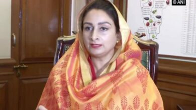 Photo of Union Minister Harsimrat proposes to paint Sultanpur Lodhi white