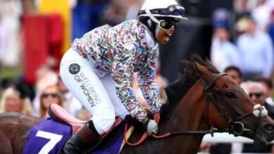 Photo of 18 YO Khadijah- first British jockey to wear hijab & wins race