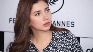 Photo of Pakistani Actress Mahira reveals she was left star-struck by SRK