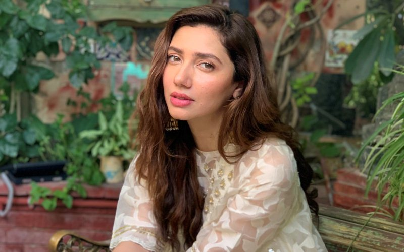 Twitterati troll Mahira Khan after she shares views on Kashmir