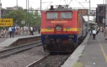 15 trains delayed due to snag at Okhla station