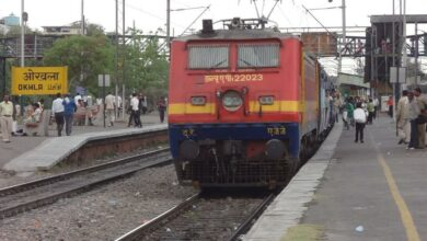 Photo of 15 trains delayed due to snag at Okhla station