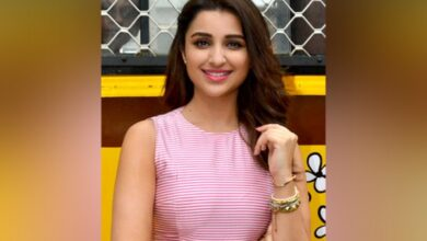 Photo of Parineeti starts shooting for 'The Girl On The Train'
