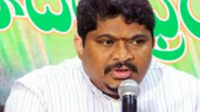 Photo of KCR controls BJP in Telangana: Congress