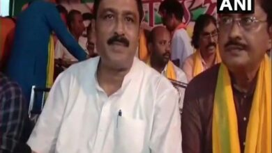 Photo of Students forced to chant 'Jai Shri Ram' to welcome BJP leader