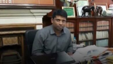 Photo of IAS officer Kannan refuses to rejoin duty
