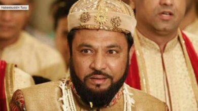 Photo of Mughal descendant promises gold brick for Ram temple
