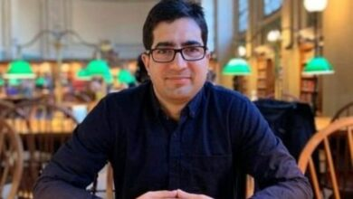 Photo of Ex-IAS officer Shah Faesal detained at Delhi airport
