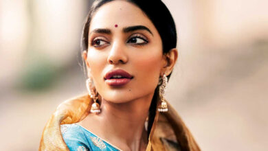 Photo of Sobhita Dhulipala-starrer 'Moothon' to premiere at Toronto