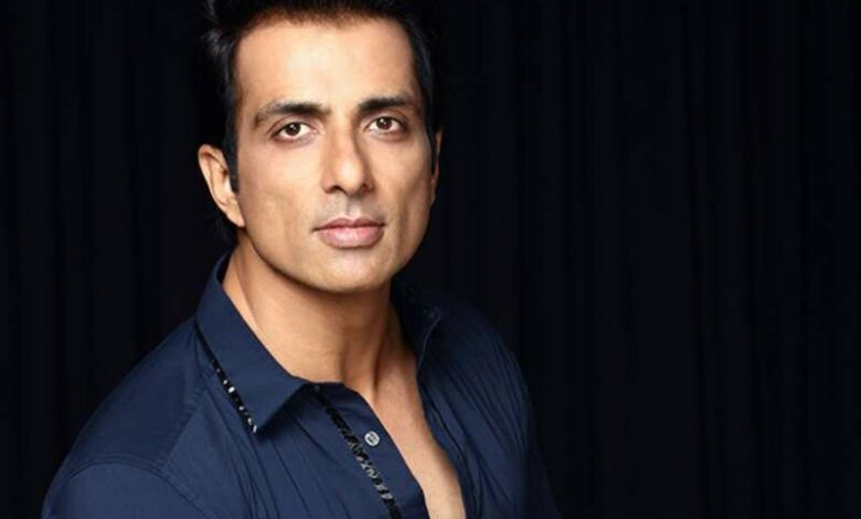 COVID-19: Sonu Sood distributes food among the underprivileged