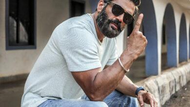 Photo of Suniel Shetty helps Akshay Kharodia bag first film