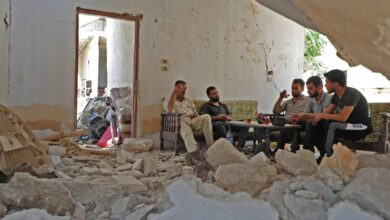 Photo of Idlib chaos forces displaced Syrians into strange dwellings