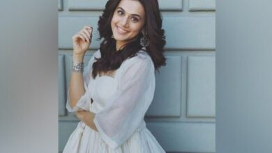 Photo of Taapsee thanks Anubhav for making her believe in her choices