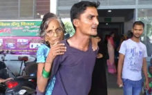 UP:Hospital denied stretcher,son carries old mother on his back
