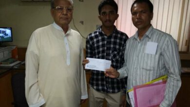 Photo of Siasat, Faiz-e-Aam Trust extends financial support to student