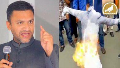 Photo of Bajrang dal activists burnt effigy of Akbar Owaisi at Koti