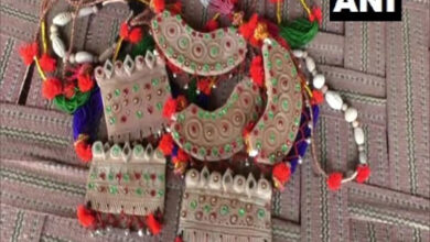 Photo of Rajasthan: Family makes jewellery using clay in Barmer