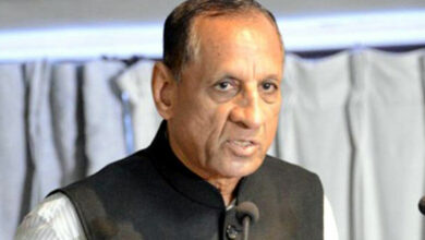 Photo of Narasimhan greets people on Independence Day