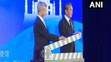 Photo of Jaishankar, Wang Yi jointly inaugurate India-China Film Week